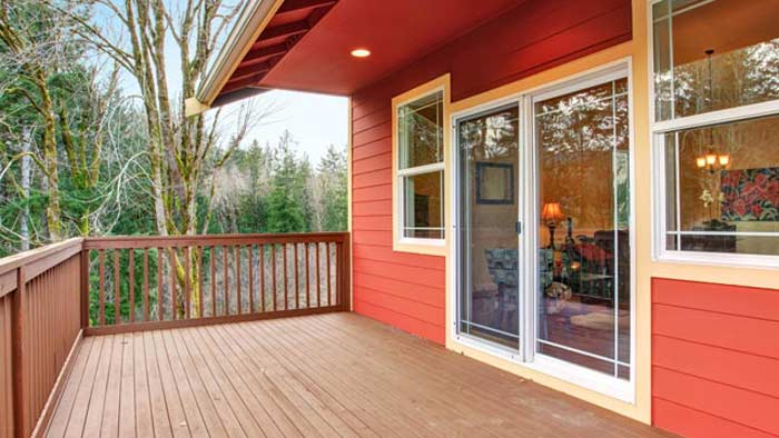 3 Ways A Backyard Deck Adds Value