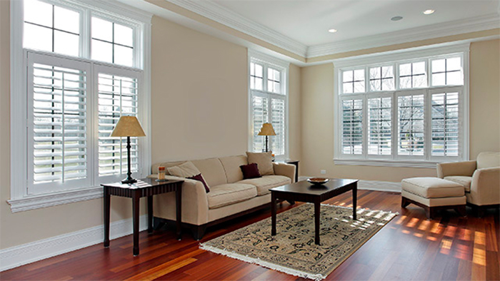 Pros And Cons Of Vinyl And Wood Window Frame Materials